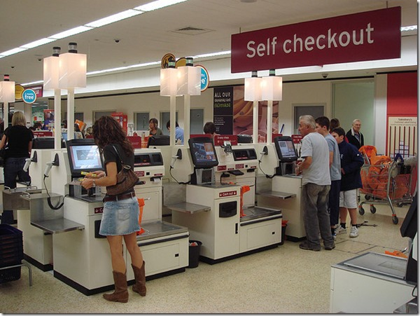 Self_checkout_using_NCR_Fastlane_machines